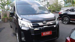 Sewa Hiace Premio Luxury Bekasi