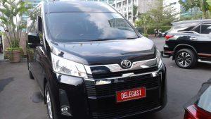 Sewa Hiace Premio Luxury di Bandung Murah 2020